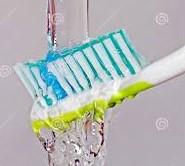 Imagen que contiene objeto, cepillo de dientes, alimentos, peine Descripción generada automáticamente